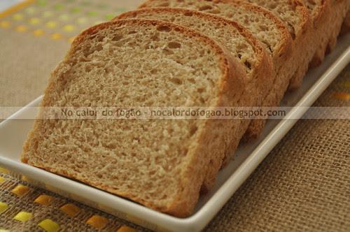Pão de leite e açúcar mascavo