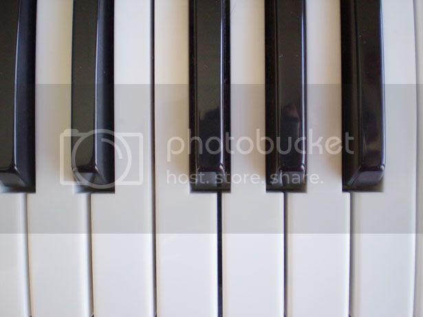 http://www.publicdomainpictures.net/view-image.php?image=21973&picture=piano-notes