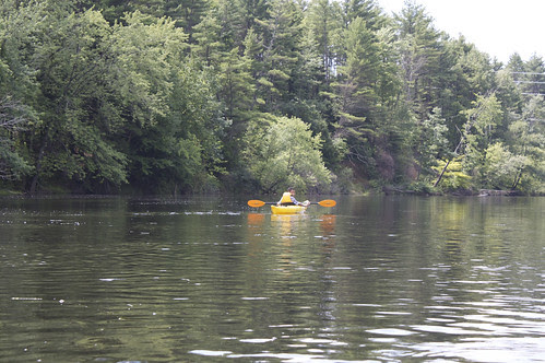 Wingnut paddles the Merrimack