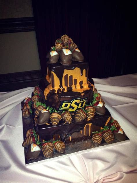 1000  ideas about Football Grooms Cake on Pinterest