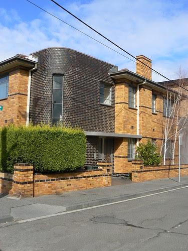 Maller's Flats, Carlton North