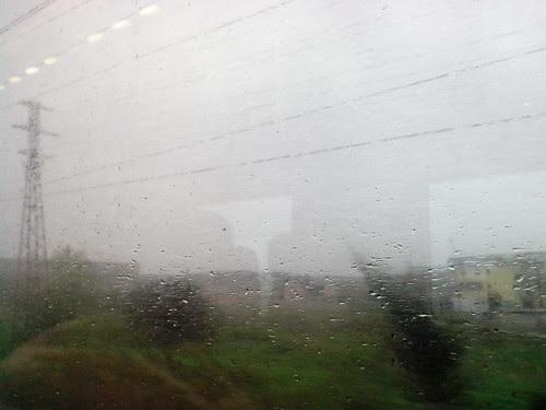 Viaggiando in treno con la pioggia by Ylbert Durishti