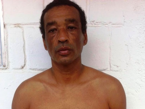 Homem foi preso pela Polícia Militar em Bertioga (Foto: G1)