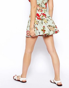 Image 2 ofASOS PETITE Exclusive Shorts in Floral Print