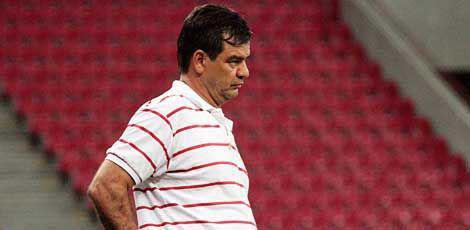 Técnico Moacir Júnior não resistiu aos fracos resultados e não comanda mais o Náutico / Foto: Bobby Fabisak/JC Imagem