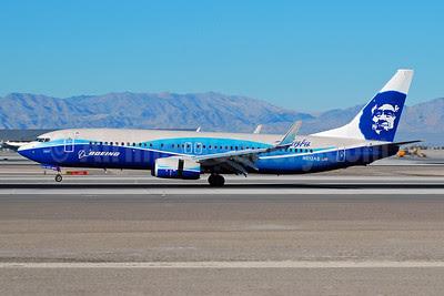 Alaska Airlines Boeing 737-890 WL N512AS (msn 39043) (Boeing Dreamliner colors) LAS (Eddie Maloney). Image: 909849.