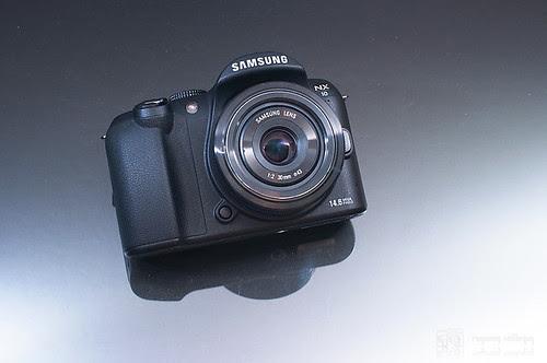 Samsung_NX10_30mm_pancake_01