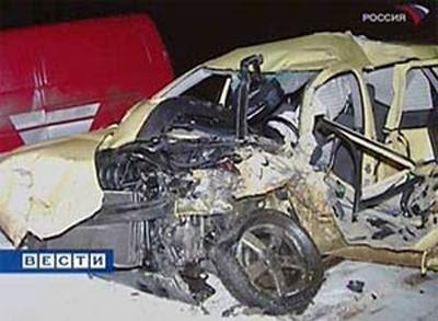 Согласно официальной версии, Бачинский на своем автомобиле Volkswagen Golf решил обогнать грузовик по встречной полосе, в результате чего столкнулся с микроавтобусом. От полученных травм шоумен скончался. Похороны прошли в Москве на Троекуровском кладбище.