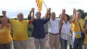 Catalogna, catena umana chiede referendum su indipendenza