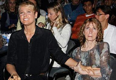 Xuxa pede orações pela mãe, que completa 78 anos - AgNews