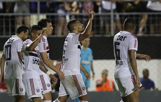 Ainda sem Hernanes, São Paulo joga fácil e vence o Novorizontino.