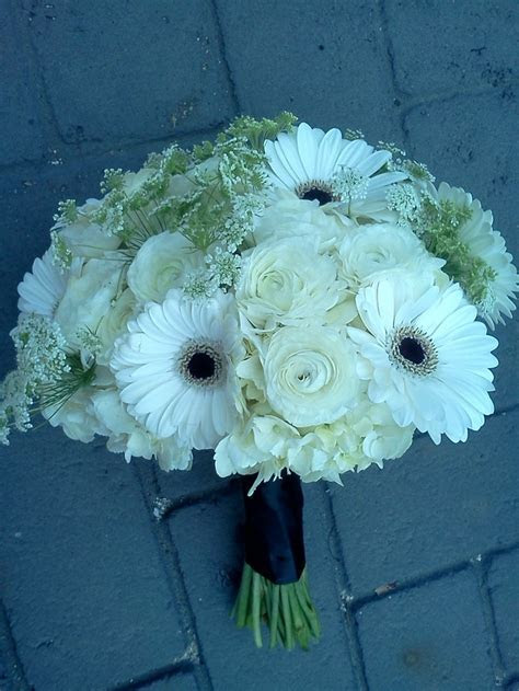 white ranunculus & gerbera daisy bouquet   www