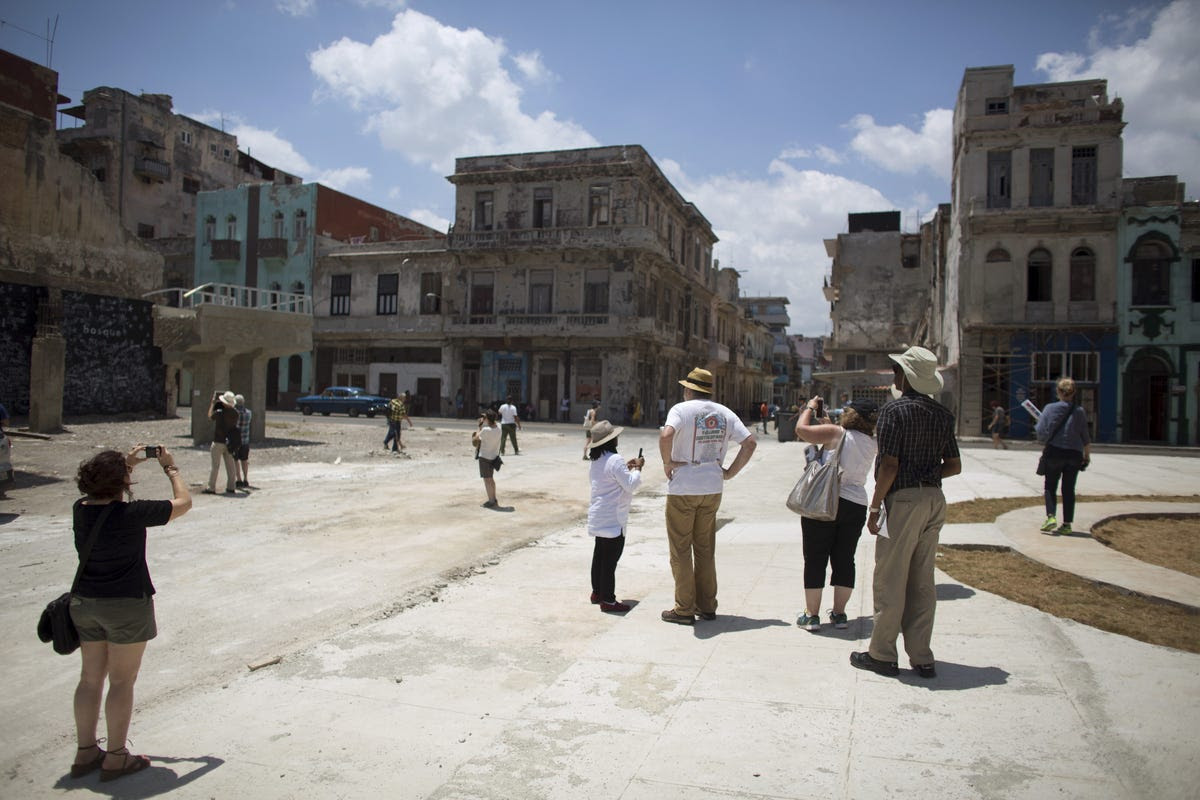 In 2015, the 12th Havana Biennial took place, drawing artists and curators from all over the world. Here, they take a tour of the city's streets.