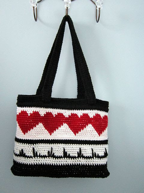 Heart-Throb Tote: free crochet ravelry pattern - super cool valentine present!!!
