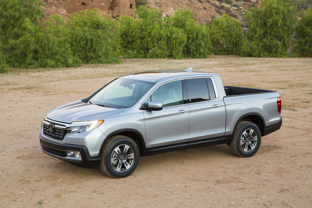 2017 Honda Ridgeline Debuts in Detroit with Bigger ...