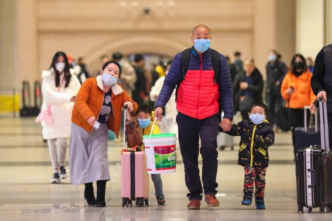 China suspende viagens para o Exterior