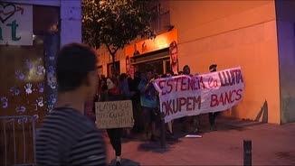 Una altra manifestació va recórrer sense incidents els carrers del barri