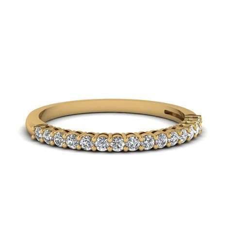 18k Yellow Gold Wedding Band For Women   Fascinating Diamonds
