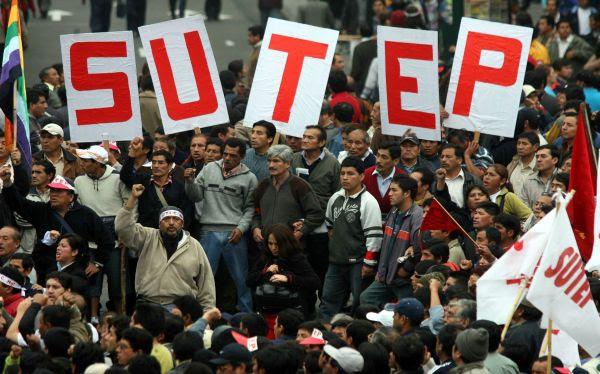 Ministerio de Educación, , Sutep, Conare-Sutep,  Huelgas en el Perú