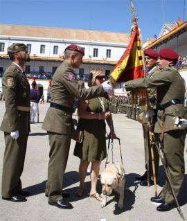 Una invidente jura Bandera en Valencia