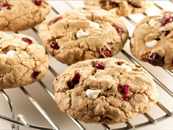 Recipe: Cranberry White Chocolate Spice Cookies   Duncan Hines Canada®