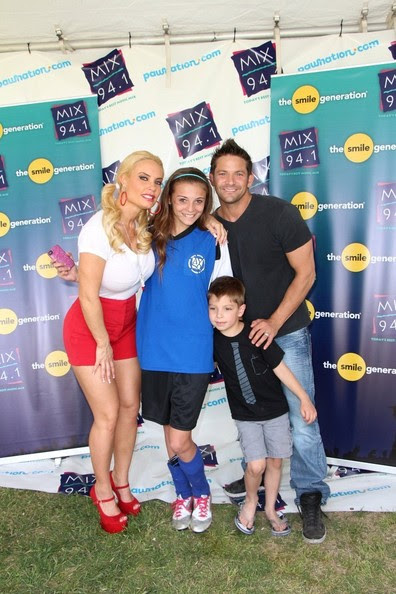 "Jeff Timmons FOR USA SALES: Contact Randy Bauer (310) 910-1113 bauergriffinsales@gmail.com.FOR UK SALES: Contact Caroline 44 207 431 1598 MUST BYLINE: EROTEME.CO.UK.Coco Austin and Jeff Timmons are seen attending the 2013 ""Pet-A-Palooza"" at Sunset Park in Las Vegas where Coco judged the ""Chubby Puppy"" competition."