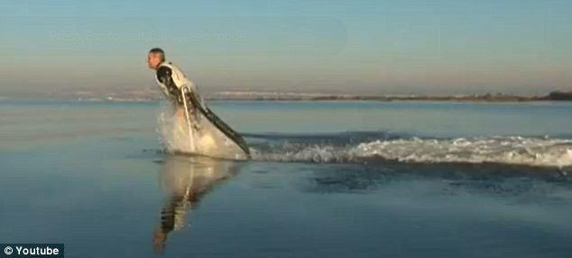 Mau jadi lumba-lumba ? coba Jetpack Flyboard ajah !