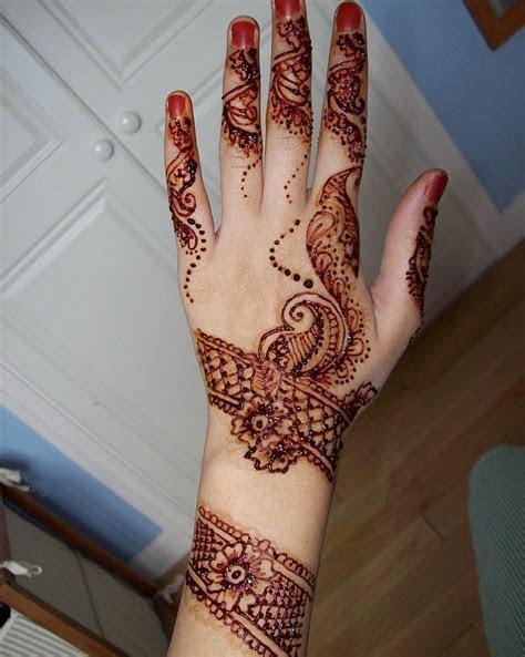Pakistani special Mehndi Designs for Eid