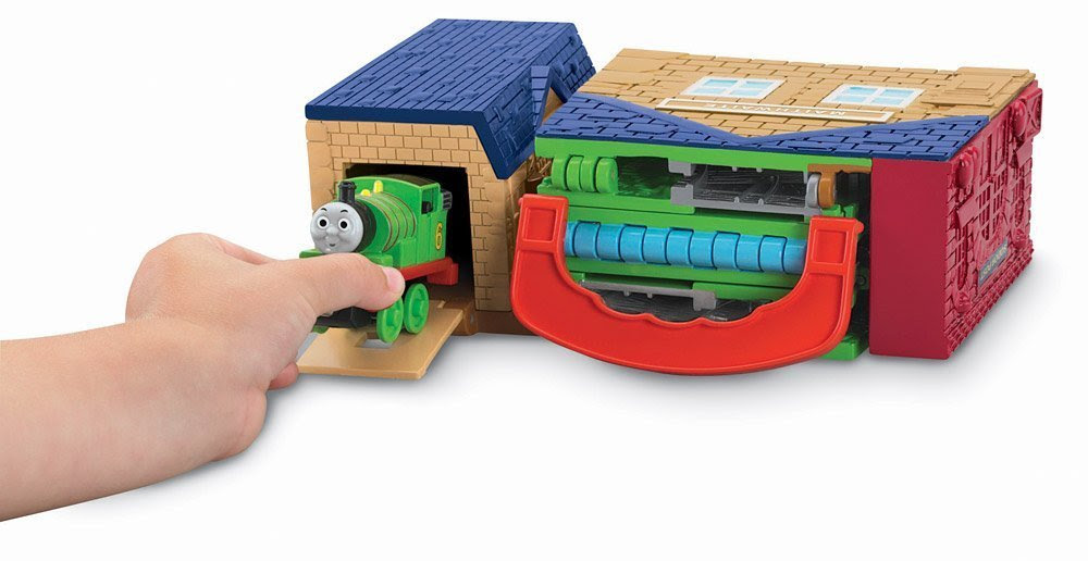 Amazon.com: Thomas the Train: Take-n-Play Percy's Mail Delivery ...