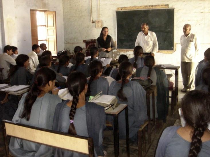 Las niñas indias, a la escuela pública