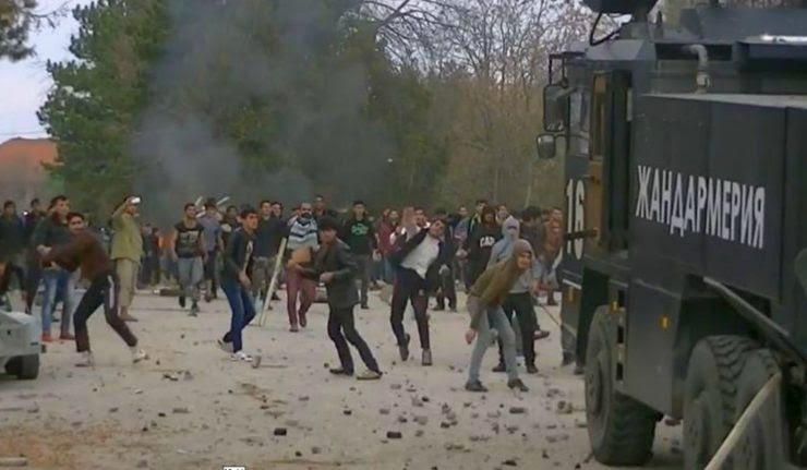 riots-in-refugee-camp