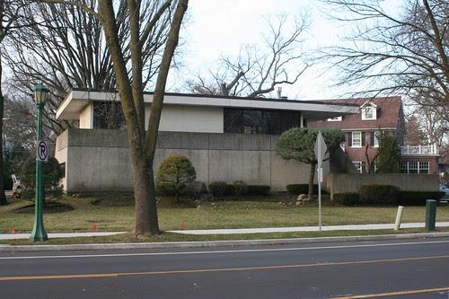 1331 Sheridan Road, Wilmette
