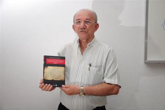 João Felipe lança mais um livro sobre árvore genealógicas das famílias do RN - Foto - Magnus Nascimento