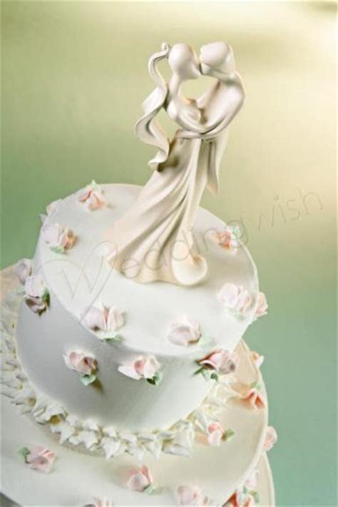 Wedding Wilton First Kiss Cake Topper   Wedding Wish