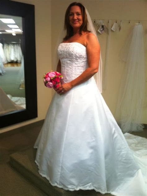Street size 14/16 in wedding dress pictures?