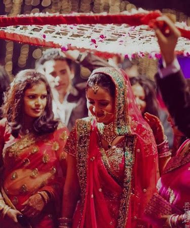 15 Beautiful Indian Brides Who Made Their Wedding Entrance