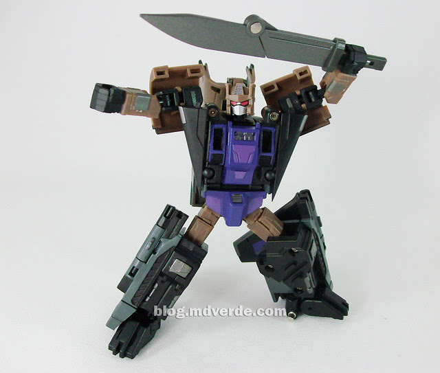 Transformers Explorer (FansProject Crossfire) - modo robot