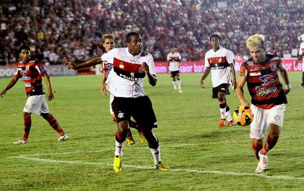 Renato Abreu jogo Campinense Flamengo (Foto: Leonardo Silva / Vipcomm)