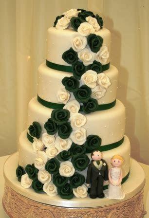 Melanie Ferris Cakes News » Dark green and ivory wedding cake