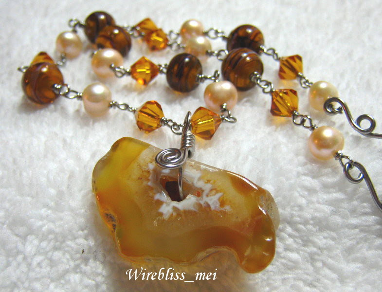 Wire Wrap Agate with Matching Necklace