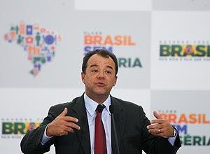 """O governador Sérgio Cabral afirmou que """"separa o exercício da função pública das atividades de sua vida privada"""""""