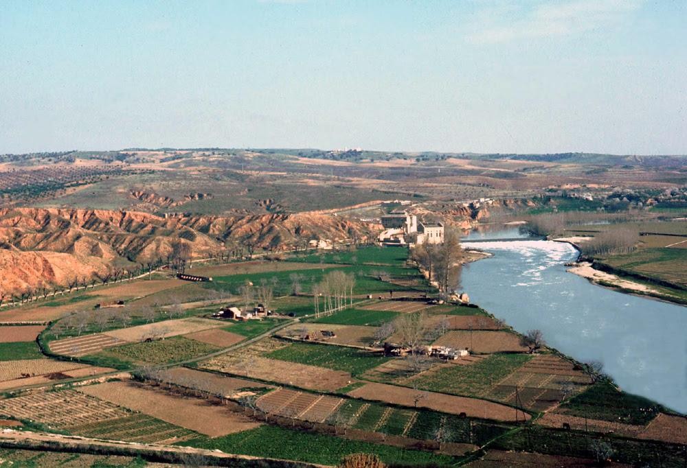Rio Tajo y Playa de Safont de Toledo en 1967. Fotografía de John Fyfe
