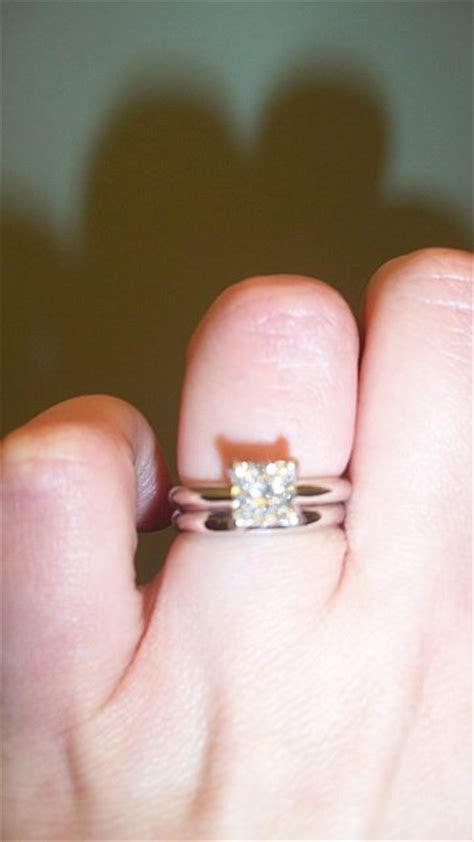 What kind of wedding band do you wear? Plain vs. diamond