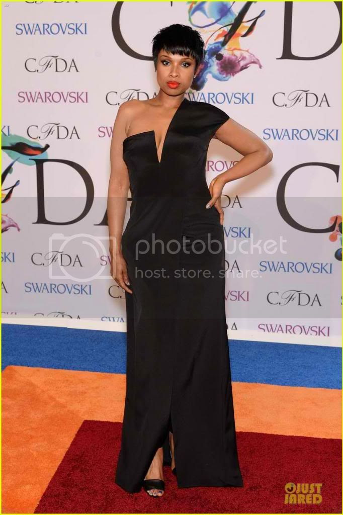 2014 CFDA Awards Red Carpet Fashion Styles Jennifer Hudson photo jennifer-hudson-cfda-fashion-awards-2014_zpse70c6869.jpg