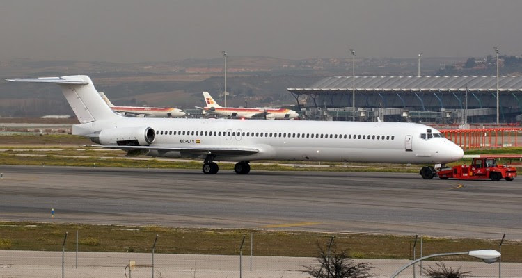 Swiftair MD-83 EC-LTV_900