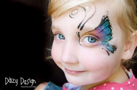 Amazing Photographs of Butterfly Face Painting by Daizy
