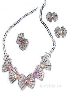 серебристые бабочки,плетение,бисер,стеклярус,
