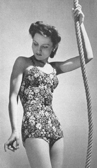 Vogue-ete-1939---Gloriane.png