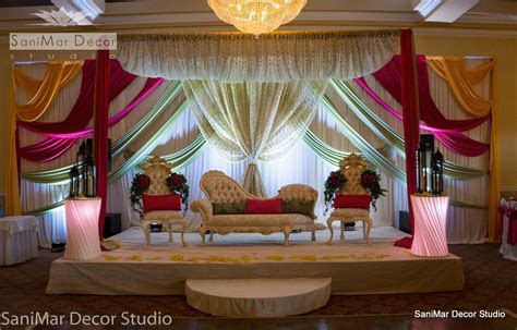 how to decorate hall for wedding   Decoratingspecial.com
