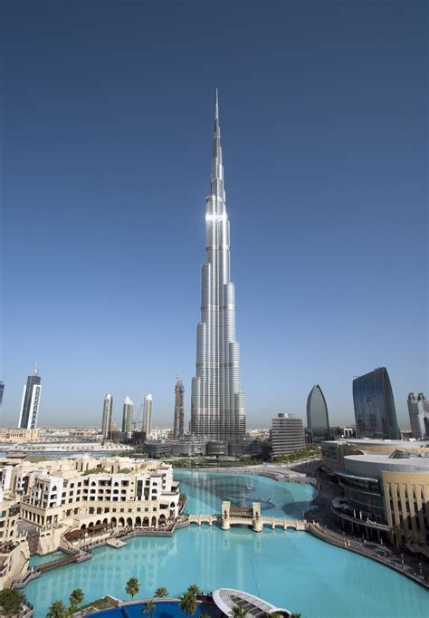 Burj Khalifa, Dubai (Tallest Building In The World) [16